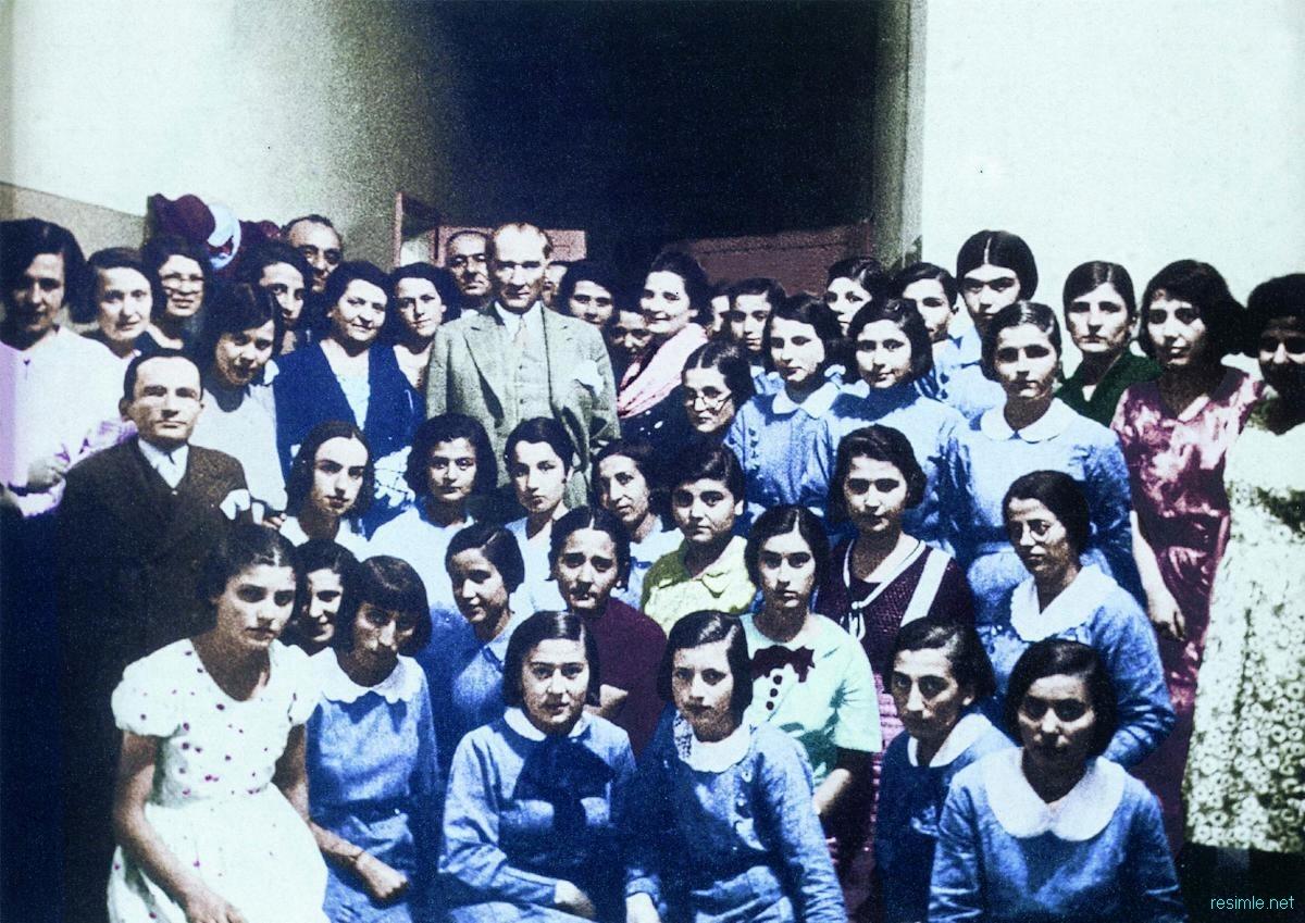 Atatürk ve öğrenciler